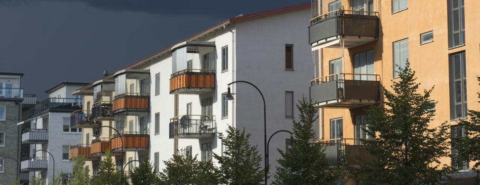 Stark bostadsmarknad inför sommaren – priserna ökar